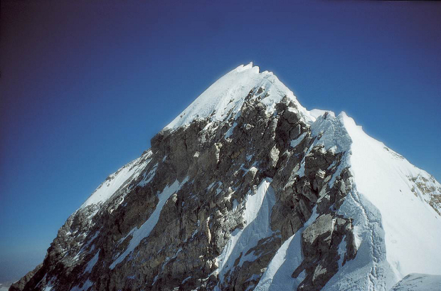 Approaching Mt. Everest Summit From the South