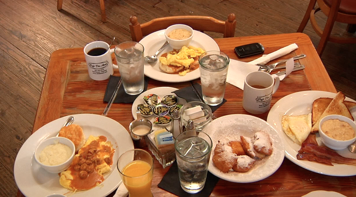 An awesome breakfast at Cafe des Amis