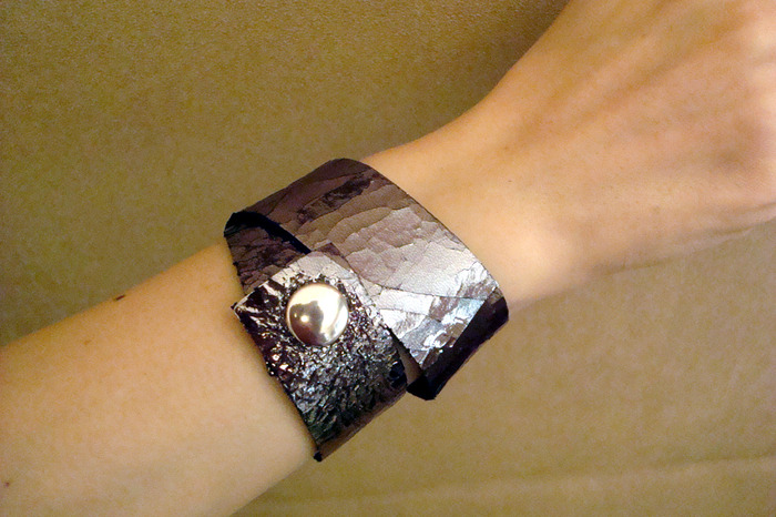 Double Loop Metallic Leather Bracelet (snaps showing)