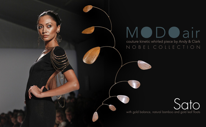 MODOair Sato in gold and bamboo