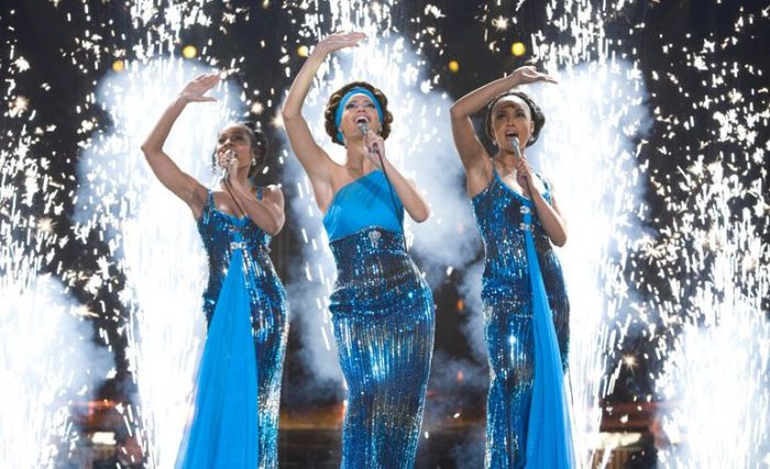 Sharon Leal & Beyonce Knowles in Dreamgirls