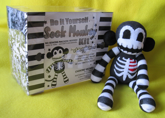 Sample of deluxe kit. The packaging will change for each product. Finished Monkey NOT included!