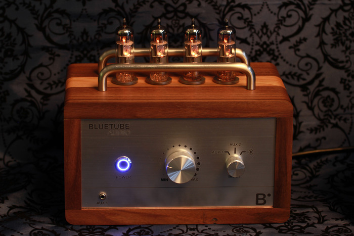 The glow of the tubes and the power button give this a look as good as the sound