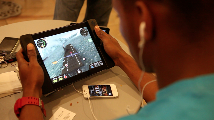New iPad Case Turns iPad into Gaming Device