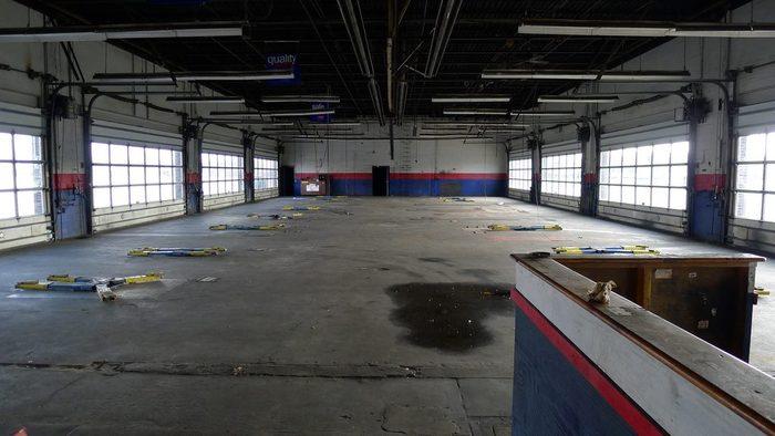 Large Car Garage : Big car garage
