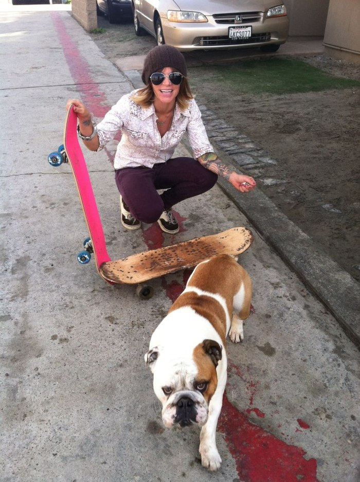 I made a new friend on the boardwalk today. This is Angus. Bulldogs were made to skate!!