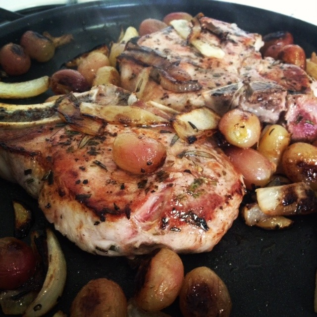 Roasted Grape and Onion Pork Chops, CleanEats Lunchbox