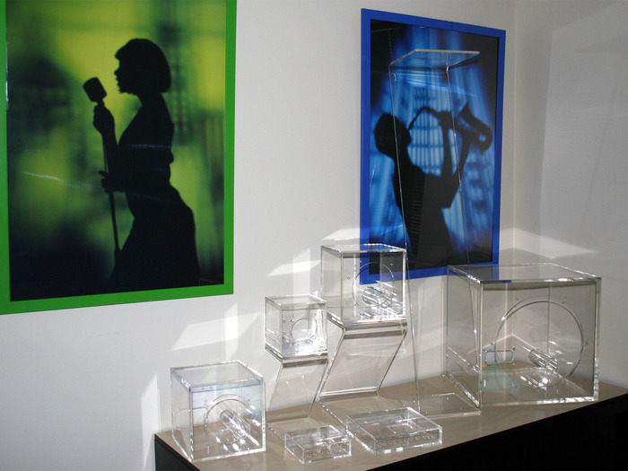 Acrylic enclosures & Z-stands - an edge light fantastic!