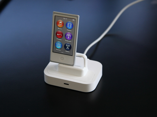 7th Generation iPod Nano using Flybridge and 30-pin to Lightning connector