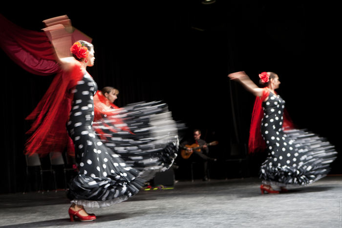 Flamenco Arana performs the fiery and beautiful dances of Spain -- and they will participate in our Flash Mobs. (Photo by:  Catherine Yavorsky)