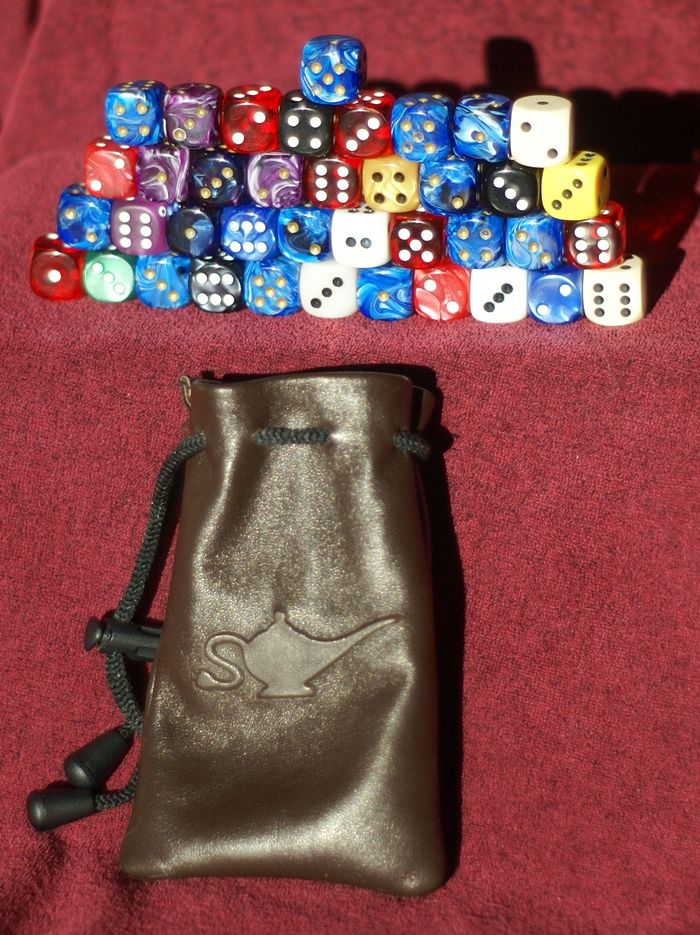 Thirty-nine dice in the Medium bag