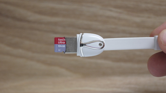 Insert your microSD and your Wonder Wire acts as a storage device or card reader.