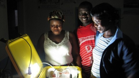 Solar Suitcase at work in a Liberian health centre (Photo: WE CARE Solar)
