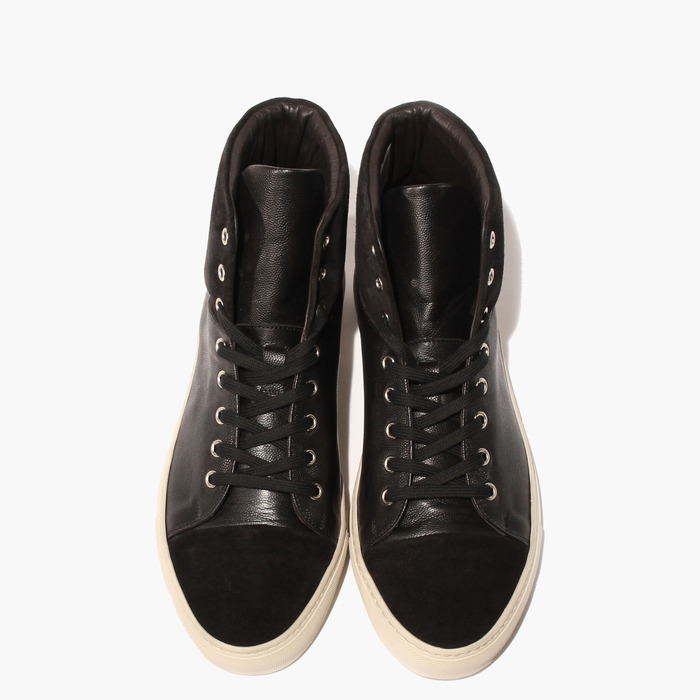 Oxygen: versatile, high-cut sneaker. Two-tone black can dress up or down