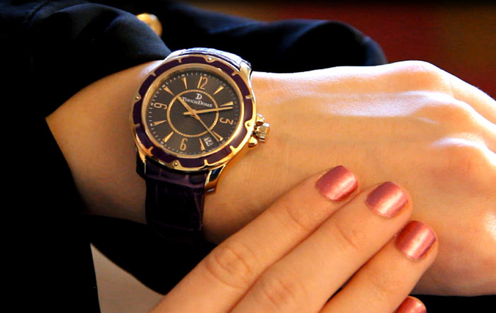 Pictured: TwentyFour | Seven watch in Grape.
