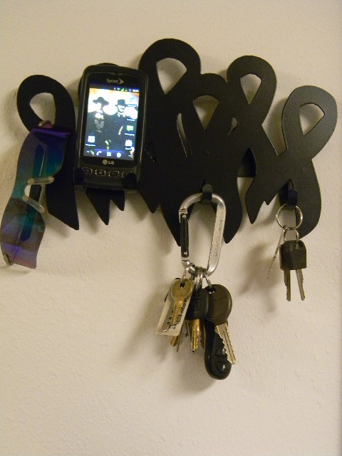 The Complimenting Bo Key Rack in your choice of colors.