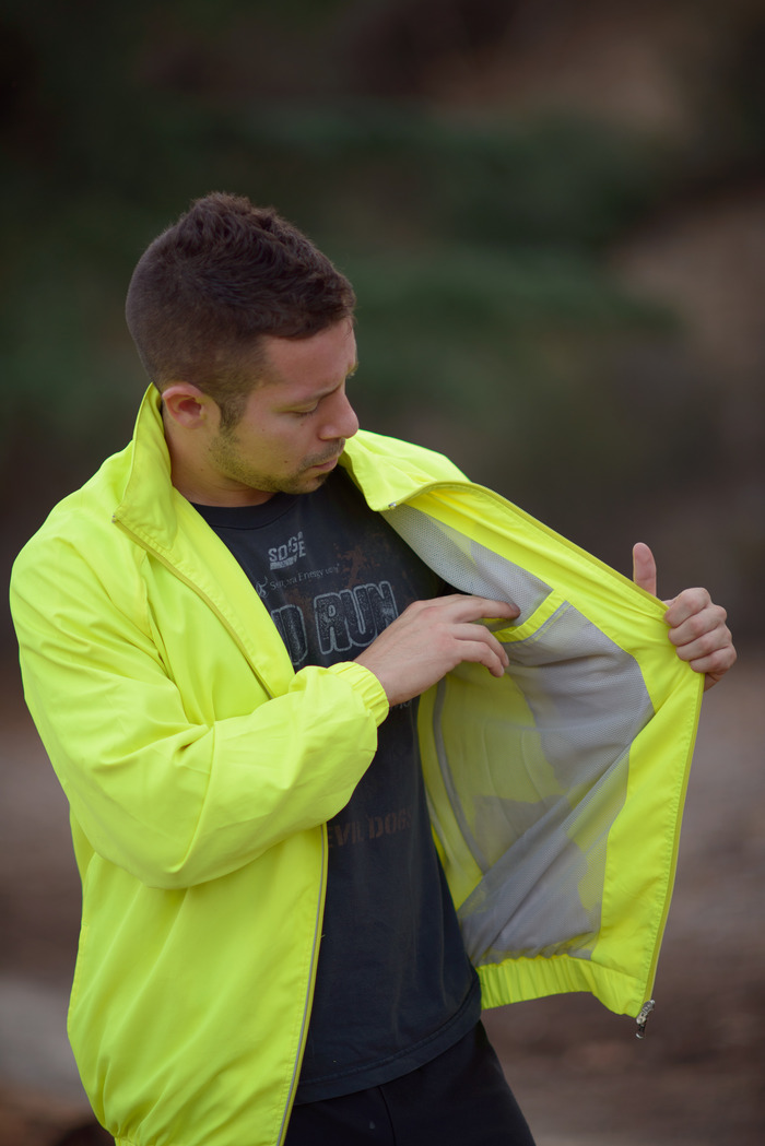 Inner Chest Pocket with mesh lining for maximum ventilation