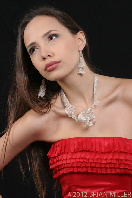 Unique....... 39'' silver Creita necklace and earrings