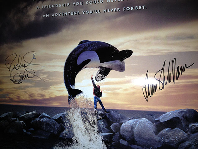 1993 Free Willy movie poster signed by Richard Donner, Lauren Shuler-Donner, and Jennie Lew Tugend