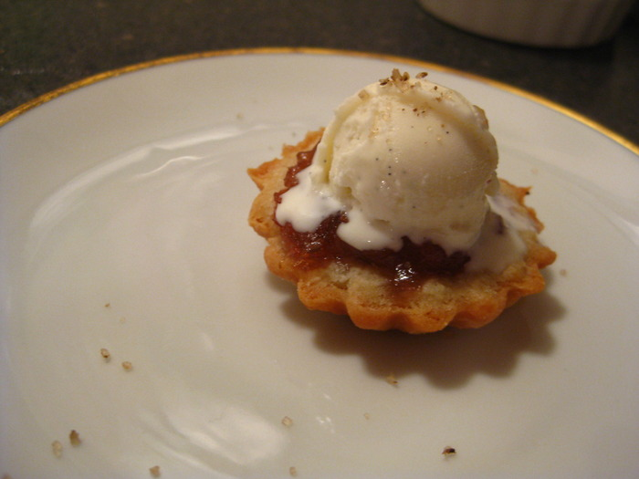 Mini rhubarb tart, juniper berry sugar & vanilla ice cream.