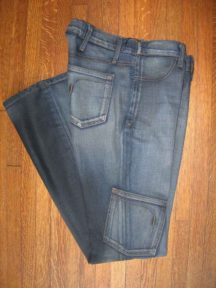 'A JEAN' shown in color/finish: Wax Blue