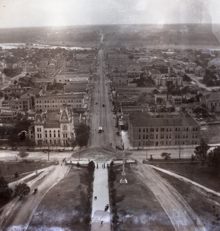 This remarkable image shows downtown Austin in 1895, ten years after the murders, looking down Congress Avenue from the Capitol Building. The city is not appreciably changed in appearance from this angle from the time of the murders.
