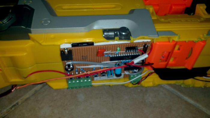 sound circuit on nerf gun , sounds include rifle bang , dead mans click , hydraulic sound for when walking and stomp sound for when my foot hits the floor