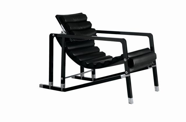 Eileen Gray's Transat Chair - three original examples are currently on display at the Pompidou Centre (MNAM).