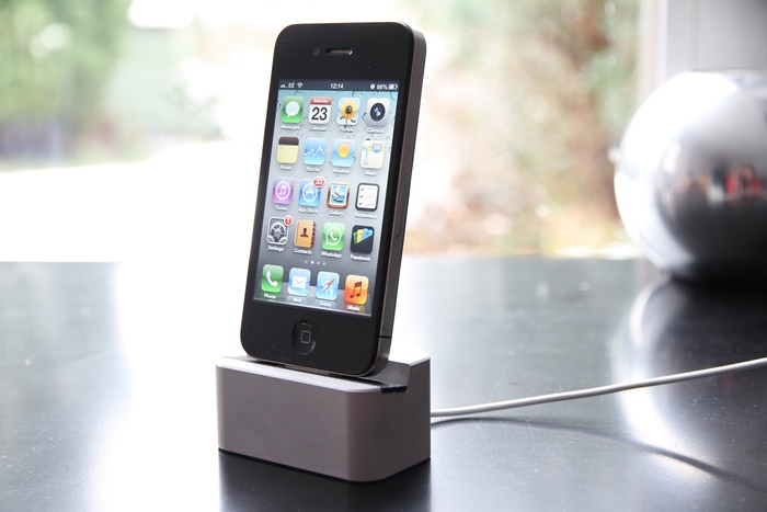 First MiDock for iPhone 4/4S! - Same colours available