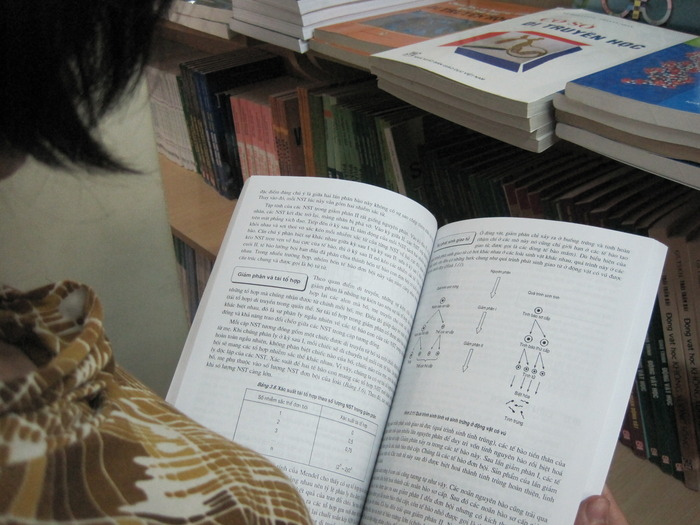 Outdated Biology textbooks in Vietnam
