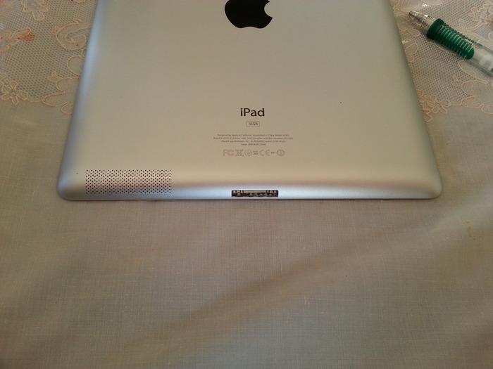 Neo-Plug in iPad 30 Pin (side view)