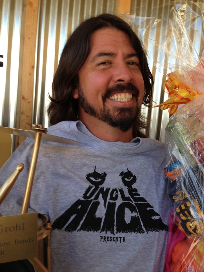 David Grohl supports Uncle Alice Present, but we need your support, too! Please back the Kickstarter today, and help spread the word by sharing the link: www.bit.ly/unclealice!