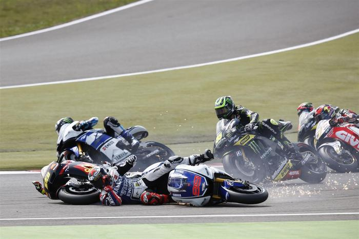 Jorge Lorenzo gettin' takin' out (photo by Andrew Northcott)