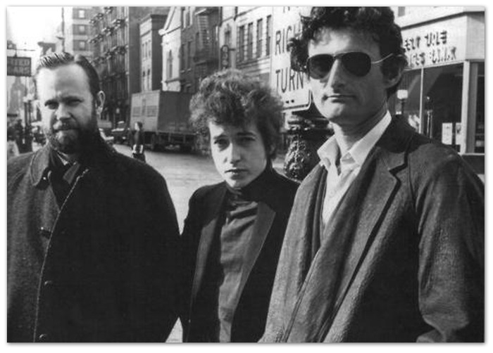 Bob Dylan poses with Victor Maymudes and journalist Jack Goddard (left) New York, New York, January 22, 1965.