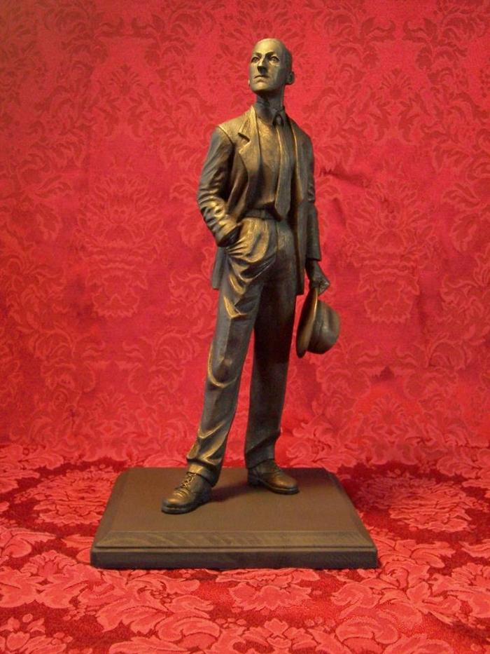 "H.P. Lovecraft 12"" Statuette (LIMITED TO 10)"