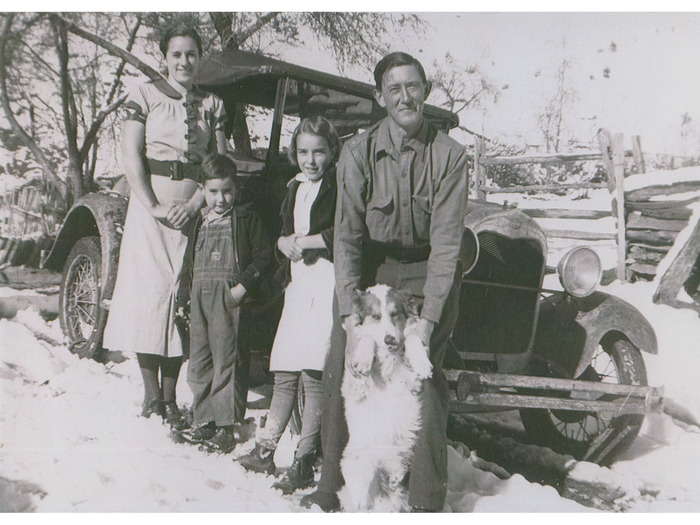 Flora, Marshall, Juanita, Homer Caldwell with Ted