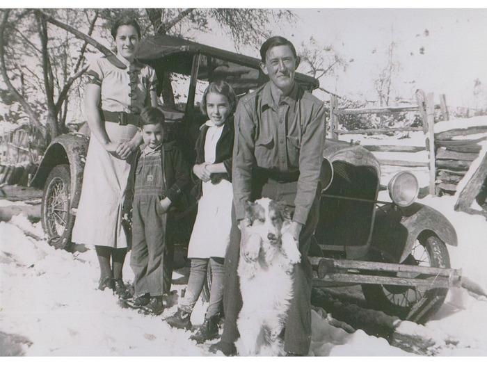 Flora, Marshall, Juanita, Homer Caldwell with Ted