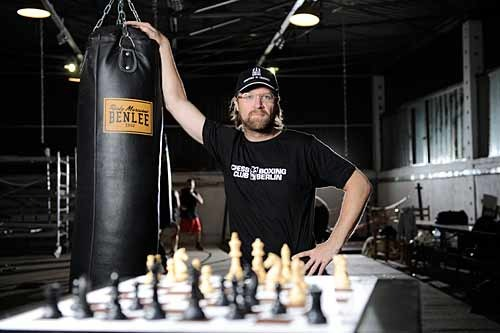 "Chessboxing's Inventor - Dutch performance artist Iepe ""The Joker"" Rubingh (Photo: TipBerlin)"