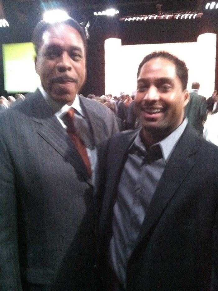 MLB ICON, HALL OF FAMER- DAVE WINFIELD