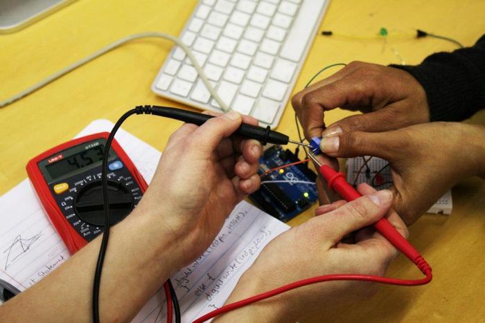 Using a multimeter in a Codasign Arduino workshop