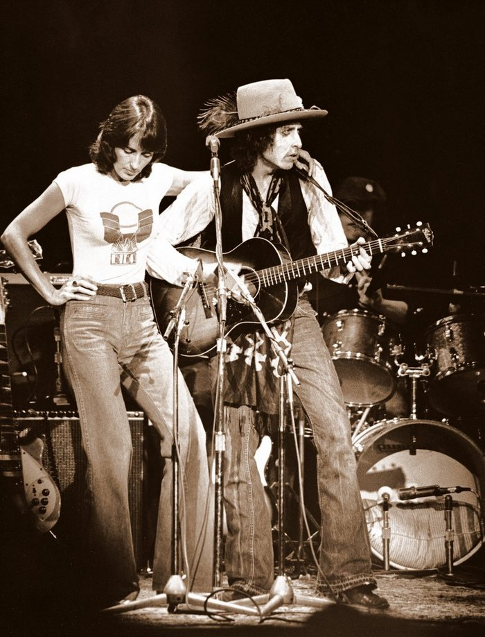 Bob Dylan and Joan Baez during the Rolling Thunder Revue Tour