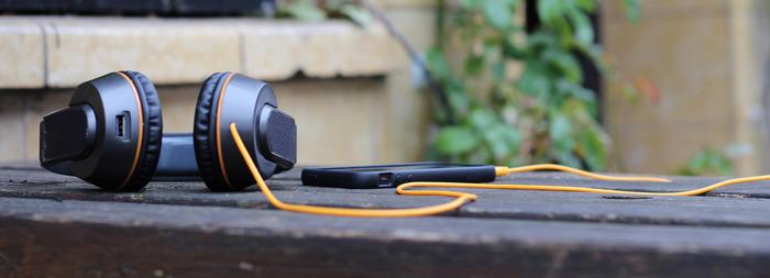 OnBeat headphones