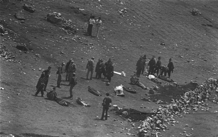 Exhumation of the journalists' bodies, January 29 1983.