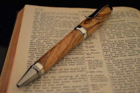 Black titanium and platinum plated Cigar pen with Nazareth Olivewood