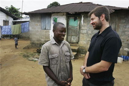 Joseph Duo and Chris Hondros reunited in Liberia