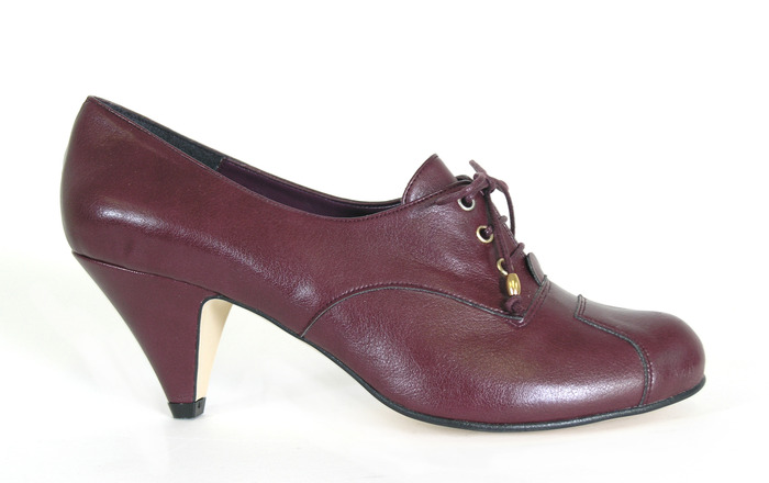 Bertie - burgundy faux leather