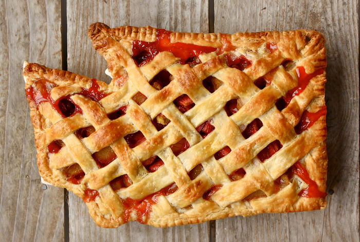 Strawberry-Rhubarb Washington Pie