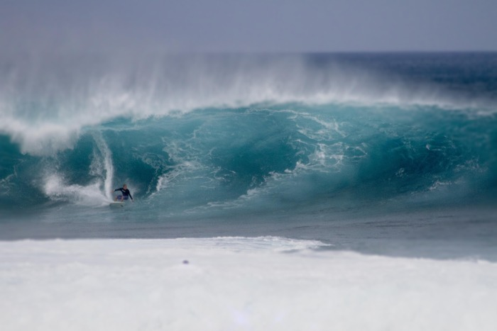 Big Pipeline Surf
