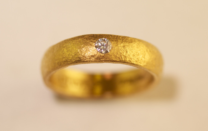 Unisex Engagement Ring 24K Gold 10 PT Excellent Cut, IF, Color E Diamond