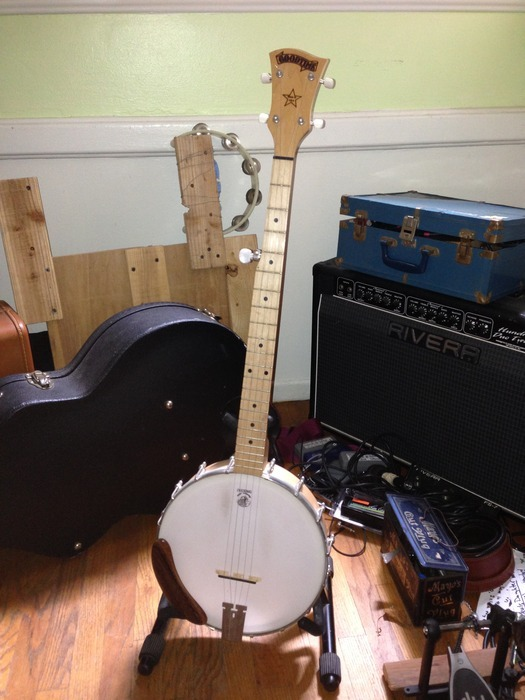 Deering Goodtime Banjo to be signed by everyone on the album..